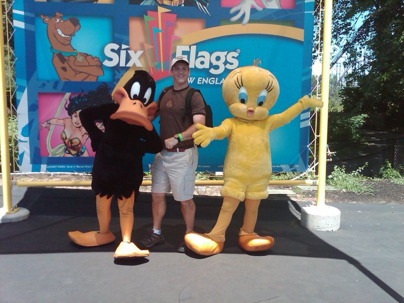 Rabbi Gelb at Six flags