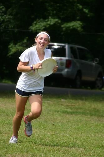 8.1.Kish.05.frisbee